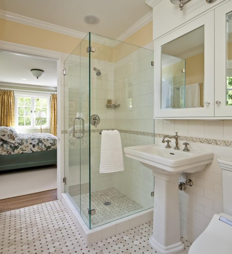 Luxury traditional bathroom design ideas for your classy room 18