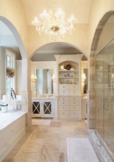 Luxury traditional bathroom design ideas for your classy room 29