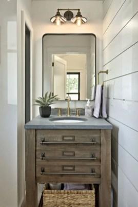 Rustic farmhouse bathroom ideas with shower 106