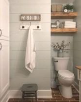 Rustic farmhouse bathroom ideas with shower 28