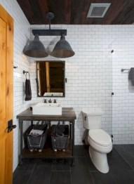 Rustic farmhouse bathroom ideas with shower 33
