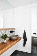 Rustic farmhouse bathroom ideas with shower 37