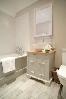 Rustic farmhouse bathroom ideas with shower 40