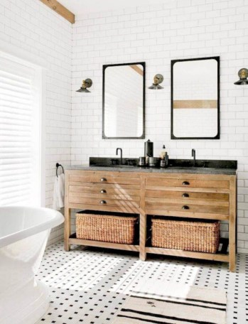 Rustic farmhouse bathroom ideas with shower 53