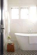 Rustic farmhouse bathroom ideas with shower 54