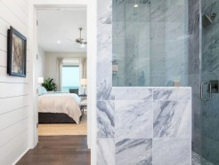 Rustic farmhouse bathroom ideas with shower 57