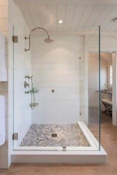 Rustic farmhouse bathroom ideas with shower 78