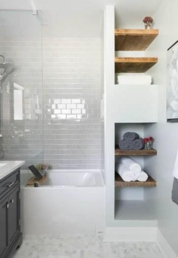 Rustic farmhouse bathroom ideas with shower 84