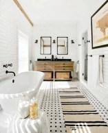 Rustic farmhouse bathroom ideas with shower 90