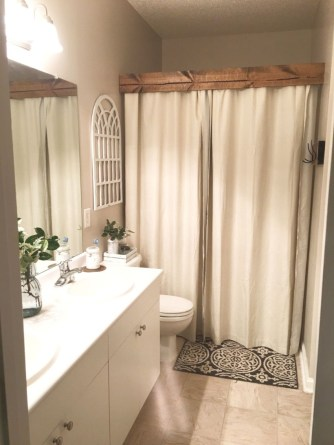 Rustic farmhouse bathroom ideas with shower 92