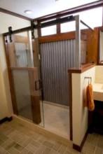 Rustic farmhouse bathroom ideas with shower 95