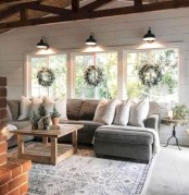 Rustic modern farmhouse living room decor ideas 04