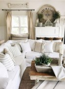 Rustic modern farmhouse living room decor ideas 52
