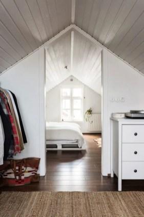 Unique attic bathroom design ideas for your private haven 25