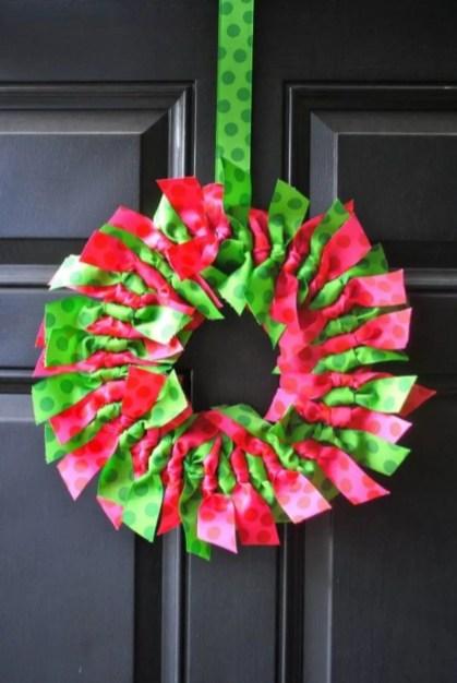Beautiful decor ideas to hang on your door that aren't wreaths 03