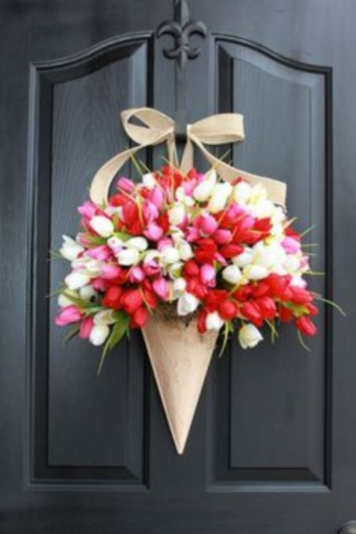 Beautiful decor ideas to hang on your door that aren't wreaths 07