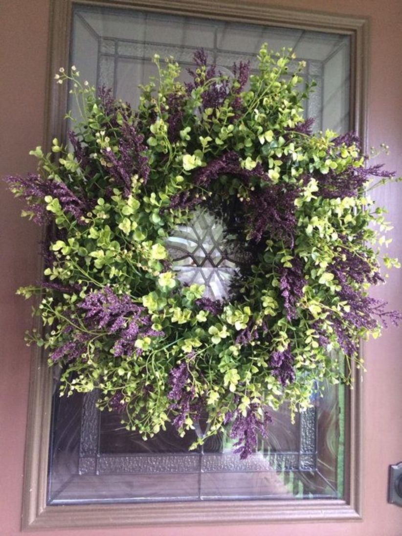 Beautiful decor ideas to hang on your door that aren't wreaths 23