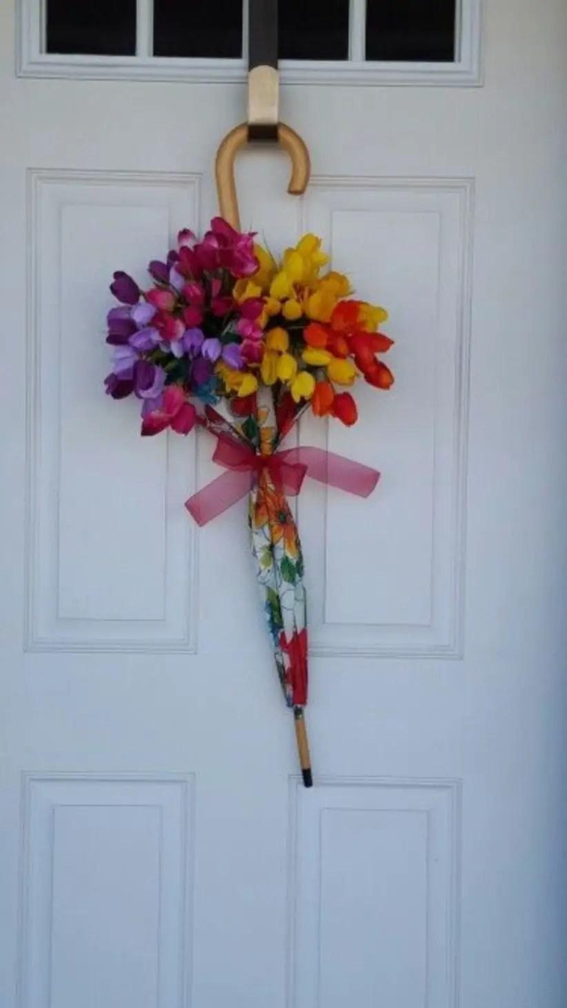 Beautiful decor ideas to hang on your door that aren't wreaths 31