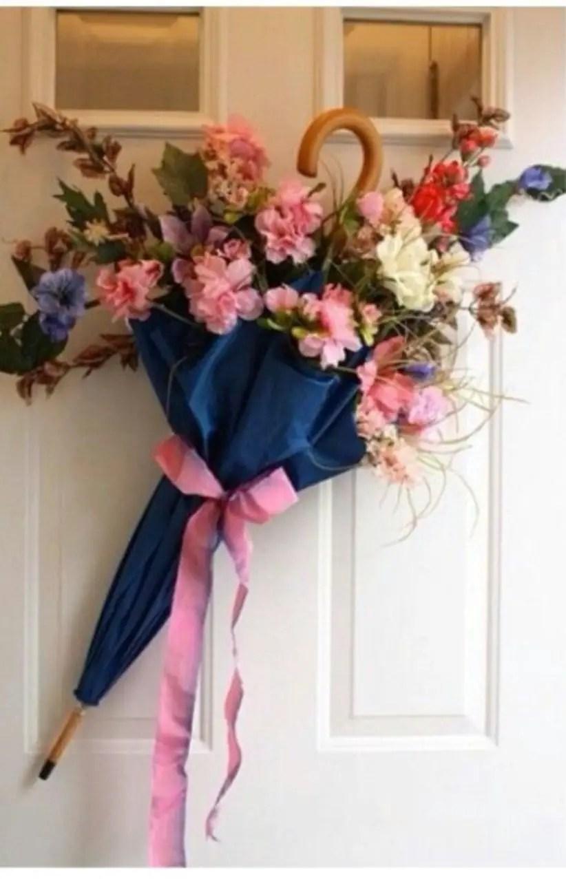 Beautiful decor ideas to hang on your door that aren't wreaths 32