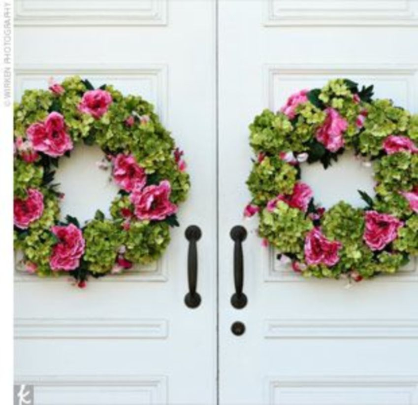 Beautiful decor ideas to hang on your door that aren't wreaths 40