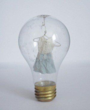 Bright ideas to recycle old light blubs 48