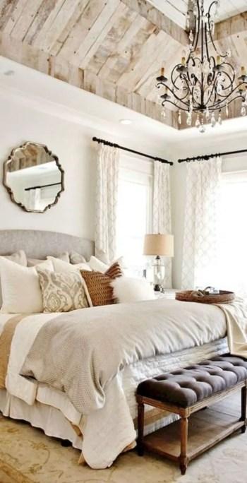 Cozy farmhouse master bedroom decorating ideas 01