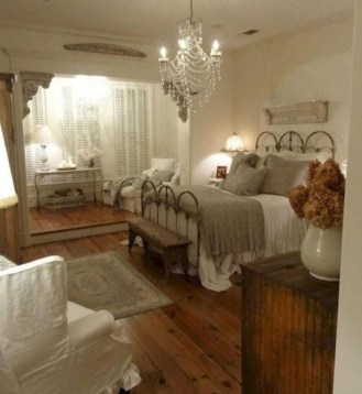 Cozy farmhouse master bedroom decorating ideas 03