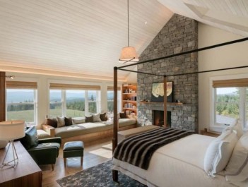 Cozy farmhouse master bedroom decorating ideas 49