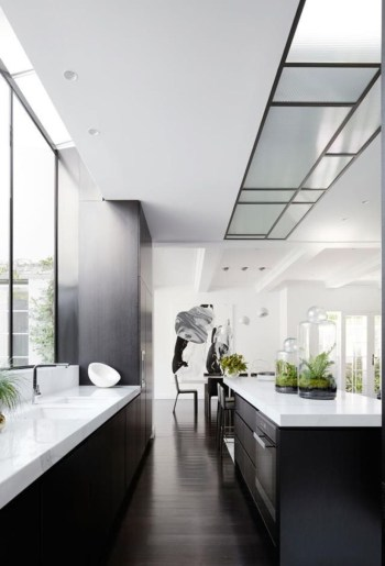 Stylist and elegant black and white kitchen ideas 12