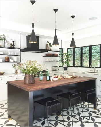 Stylist and elegant black and white kitchen ideas 16