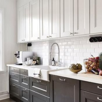 Stylist and elegant black and white kitchen ideas 25