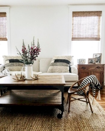 Adorable and cozy neutral living room design ideas 30