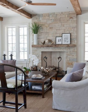 Adorable and cozy neutral living room design ideas 41