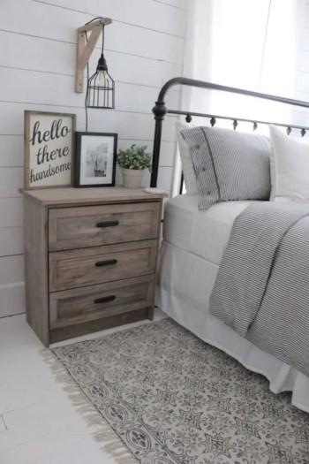 Farmhouse-master-bed-670x1005