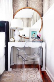 Adorable round mirror designs to brighten up your small space 30