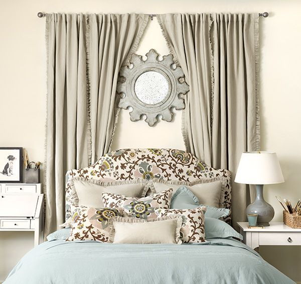 Adorable round mirror designs to brighten up your small space 32