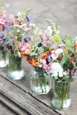 Cheerful ways to use mason jars this spring 16