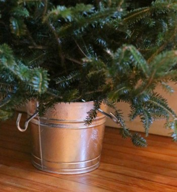 Diy-christmas-tree-stand-bucket-ideas-and-tutorial