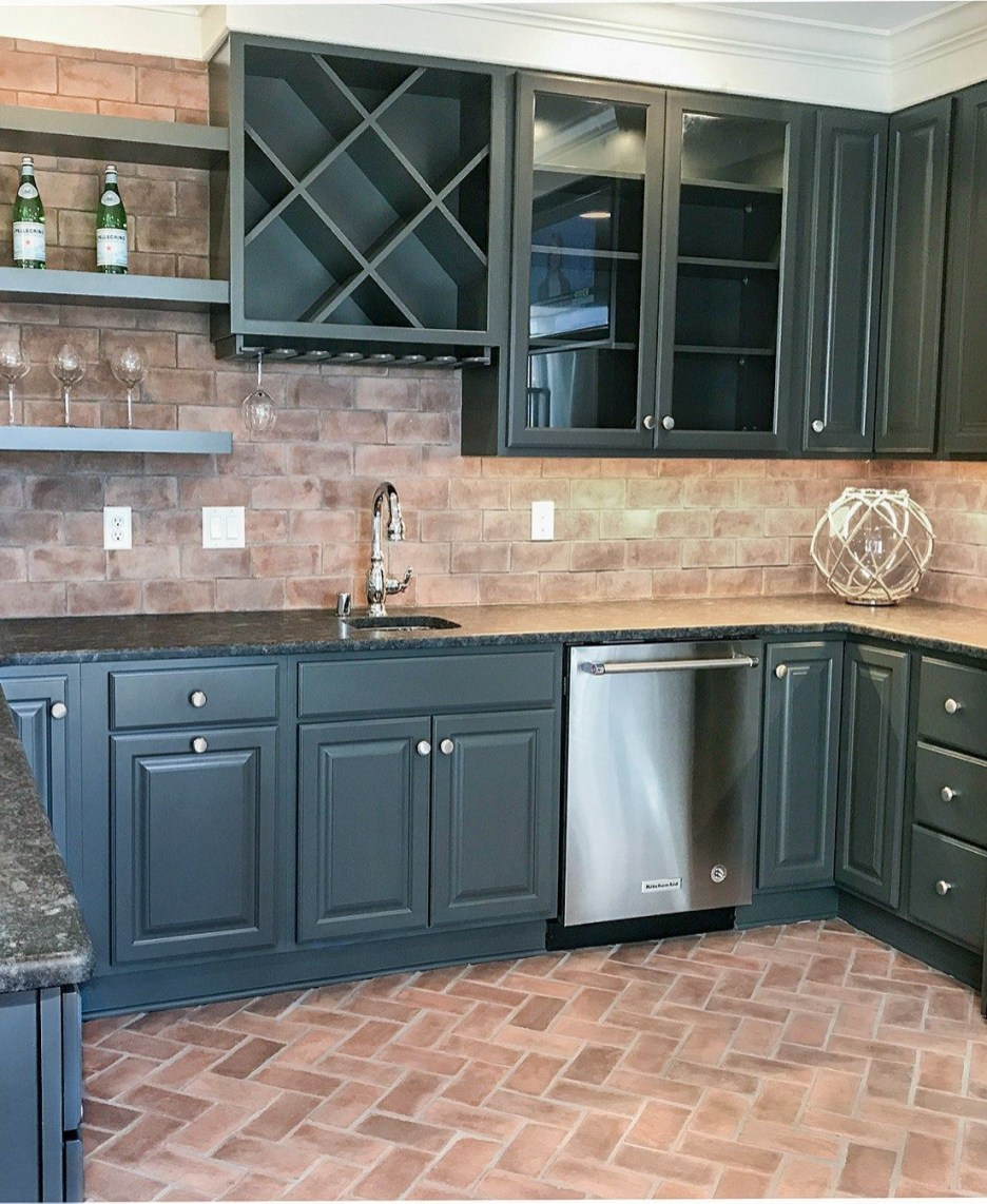 Modern herringbone pattern to give unique elements to your kitchen 04