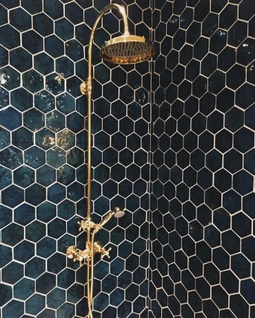 Unique honeycomb tile to give your bathroom a new look 23