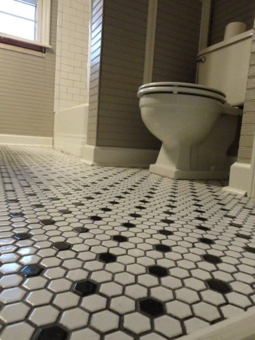Unique honeycomb tile to give your bathroom a new look 34