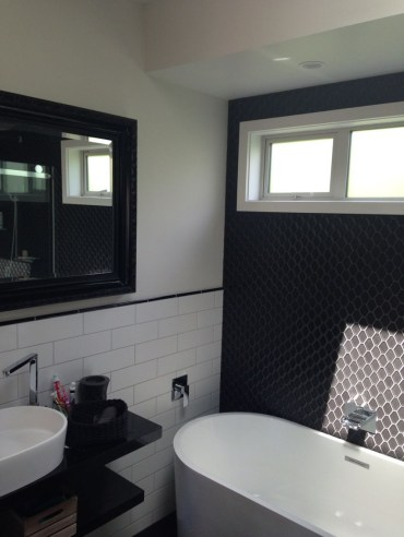 Unique honeycomb tile to give your bathroom a new look 46