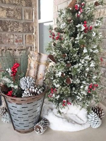 Adorable farmhouse christmas decor ideas 03