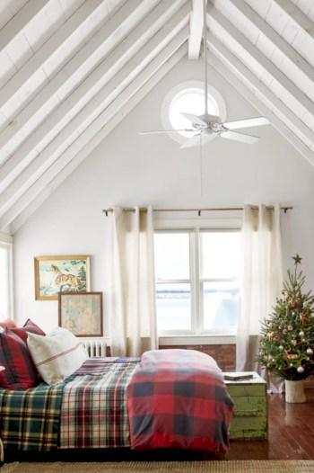 Adorable farmhouse christmas decor ideas 10