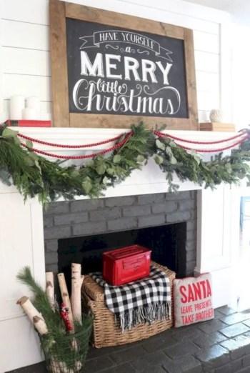 Adorable farmhouse christmas decor ideas 20