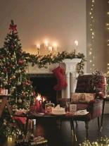 Adorable farmhouse christmas decor ideas 32
