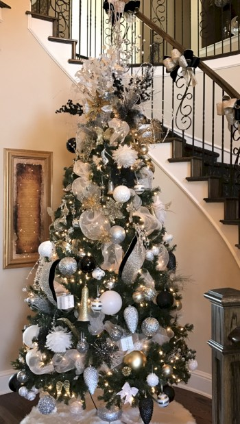 Awesome silver and white christmas tree decorating ideas 28