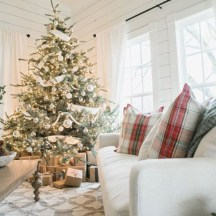 Awesome silver and white christmas tree decorating ideas 36