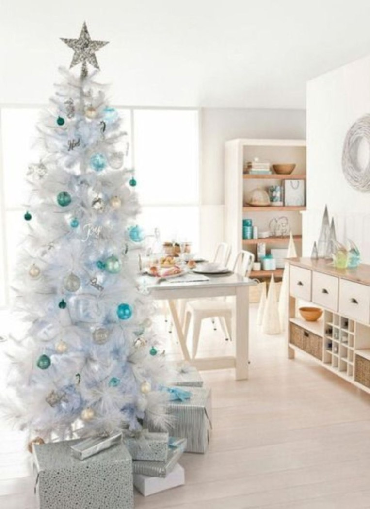 Awesome silver and white christmas tree decorating ideas 38