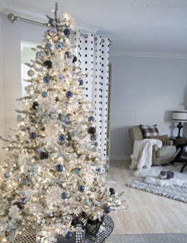 Awesome silver and white christmas tree decorating ideas 42